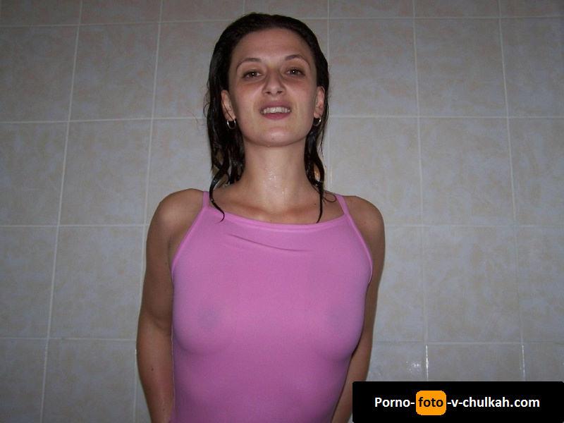 otsosala-porno-domashka-s-ogromnim-fallosom-blyadi
